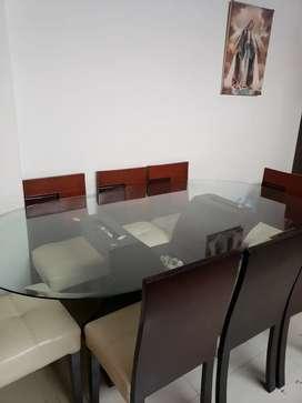 Comedor 8 sillas (Cedro y Cuero)