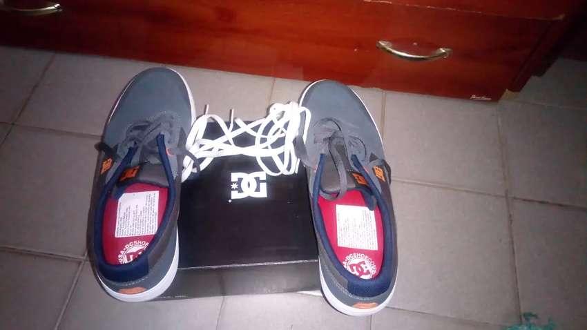 Vendo zapatilla nueva 0