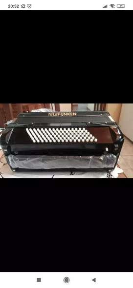 Acordeon a piano Telefunken