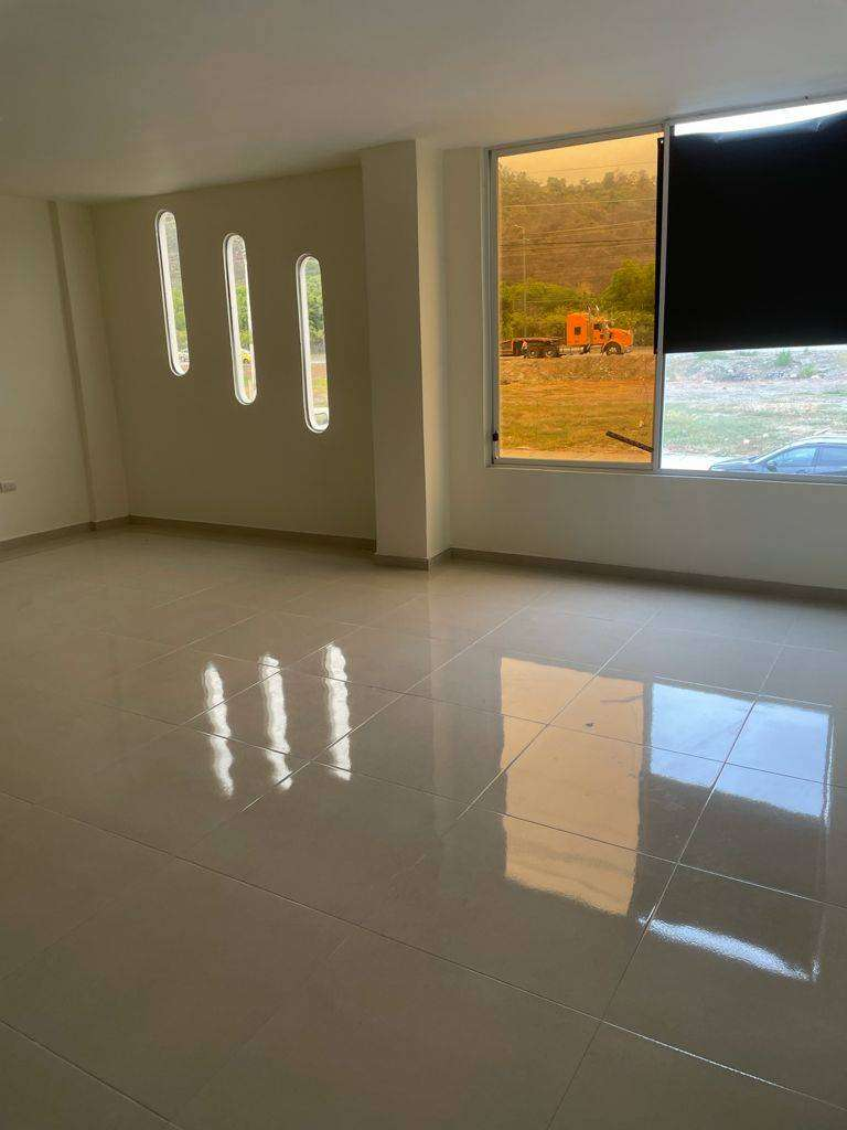 Se Alquila local comercial MUCHO LOTE 2