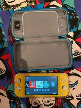 Nintendo Switch Lite con case