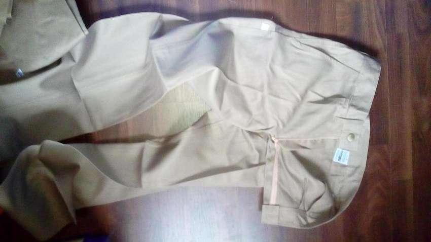 Pantalón para Trabajo , marca OMBÚ : Solo talle N 42 0