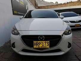 Mazda 2 blanco tourin autm como nuevo