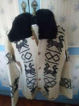Saco tejido en telar de Ecuador, talle M impecable con cuello de piel sintética