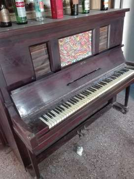 Piano antiguo