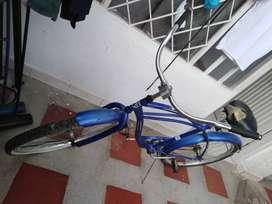 Se vende bicicleta playera varataa