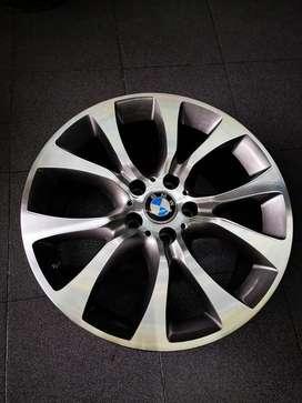 RINES DE LUJO RIN 19 BMW ORIGINALES, 5H CASE 120, ESTADO 10/10, RECIBO TUS USADOS, INSTALADOS CON VALVULAS DE LUJO