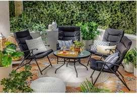 Juego de sillas y mesa para jardín