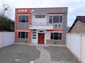Venta de casa de dos plantas por estrenar en Catamayo,Loja