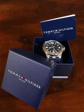 Reloj Tommy Original ( 2 Puestas )