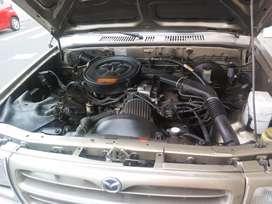Vendo camioneta Mazda modelo 98 doble cabina documentos al día