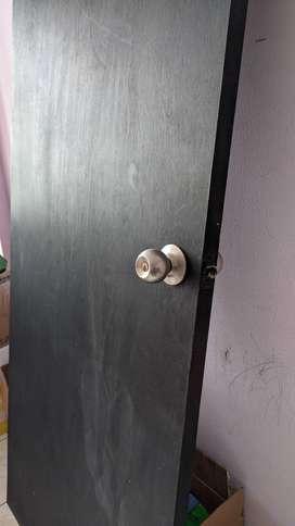 Vendo puerta en madera oferta