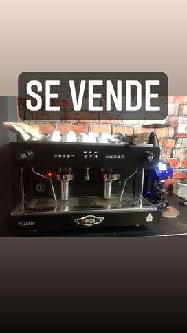Cafetera expresó , molino digital