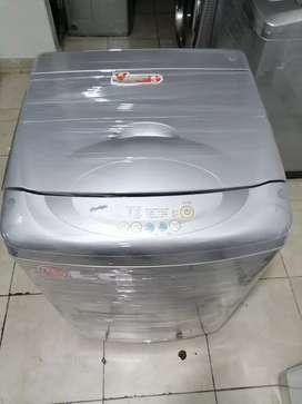 Lavadora Lg ecológica, 28 libras, buen estado, digital