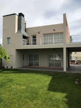 vendo permuto casa Villa el Chocon Neuquen
