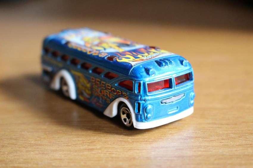 HotWheels Malasia Surfin' School Bus 0