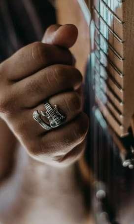 Clases de guitarra, ukelele y piano