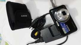 Vendo cámara digital marca Sony Cyber-Shot DSC-W310 seminueva en 100 dólares negociable