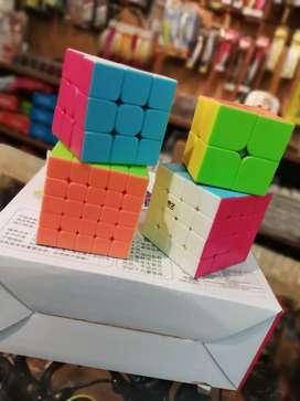 Set de kubik x 4 unidades con diferentes niveles y colores