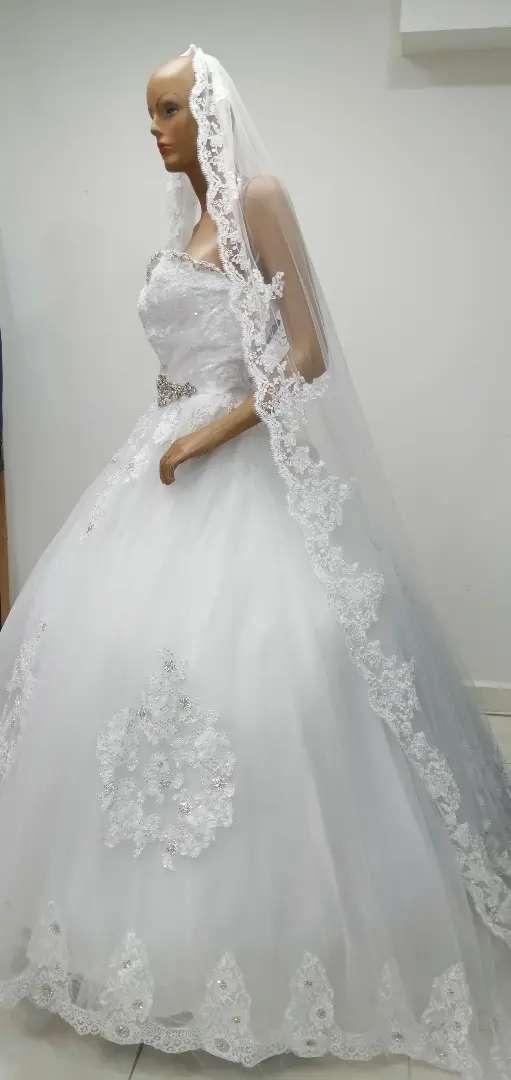 Alquiler de vestidos de coctel, matrimonio,primeracomunion 0