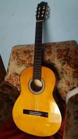 Guitarra Acustica Nueva 100$