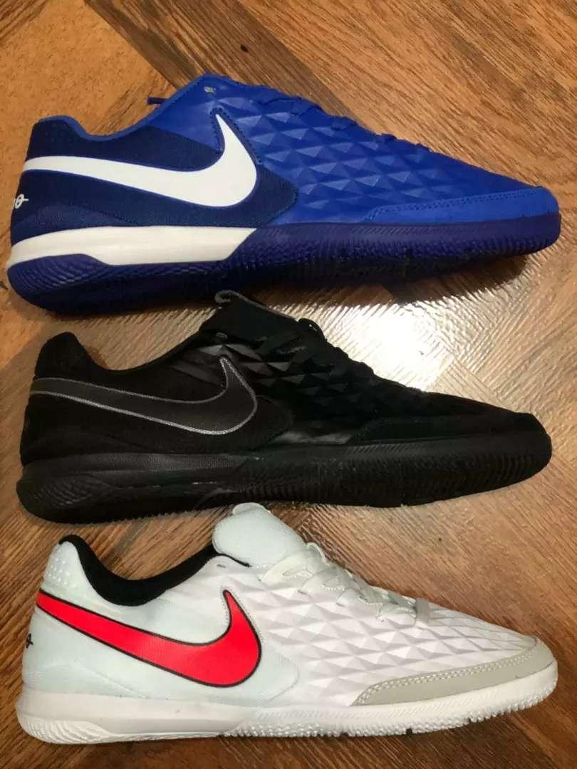Hermosas zapatillas deportivas para jugar 0