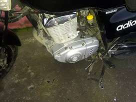 GS125 papeles al dia 1300 negociable la moto está en Quevedo