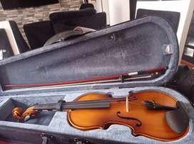 Violin 3/4 en perfectas condiciones sin uso.