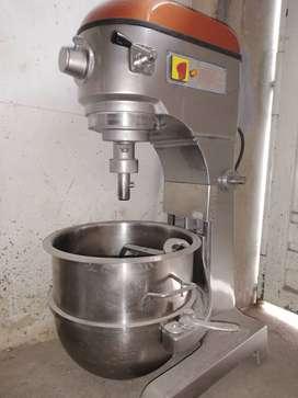 BATIDORA HOBART PARA 140 litros LITROS