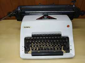 Máquina de escribir Olimpia