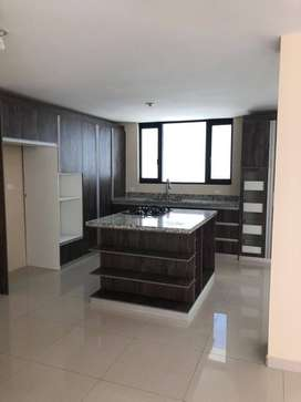 Rento amplia casa Sector Parque Boulevard