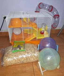 Jaula para hamster con varios accesorios, sustrato y comida PRECIO NEGOCIABLE