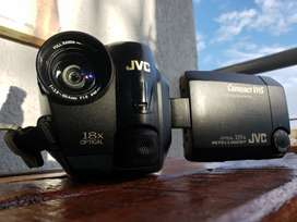 Vendo videograbadora/ filmadora, JVC con cargador funcional original,  nunca reparada ni dañada, único dueño.
