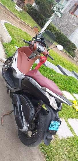 Moto Beverly 350 Italiana