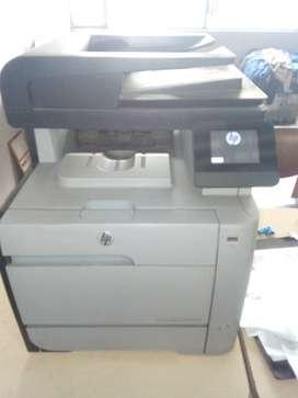 Multifuncional HP M476nw