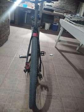 En venta . Cambio por una bici de ruta