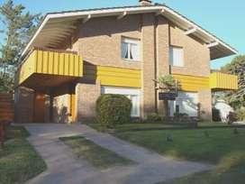 Alquiler Casa tipo duplex en Pinamar 7 personas 4 de la playa zona golf Semana/Quincena Febrero 2020!!