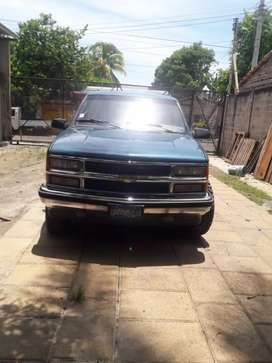 Impecable Suburban