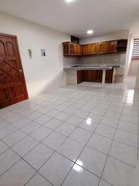 Se alquila suite semiamoblada en Palmeras y Guabo