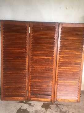 Postigos usado de 150cmx150cm de cedro c detalles