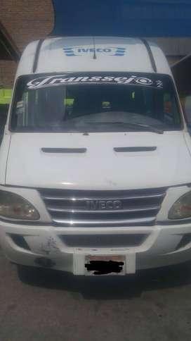 Se vende Mini Van Año 2012 de 20 asientos