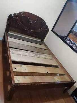 Cama de madera de 2 plazas