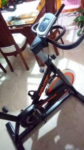 vendo bicicleta spinning  marca EVOLUTION,