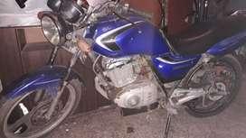 Vendo moto suzuki en 125 cc
