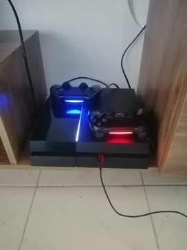 Playstation 4  con 2 controles. Originales