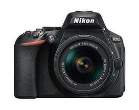 Camara Nikon D5600 Lente Nikon 35mm 1.8G (USADA) Como recién estrenada 10/10