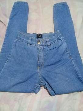 Jeans sisa tiro alto