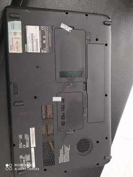 Toshiba muy bien tenido su teclado nítido casi no tiene rayones