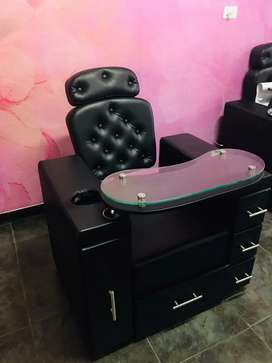 Mueble para manicure and pedicure