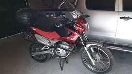 Vendo Honda falcon nx400 mod 2013